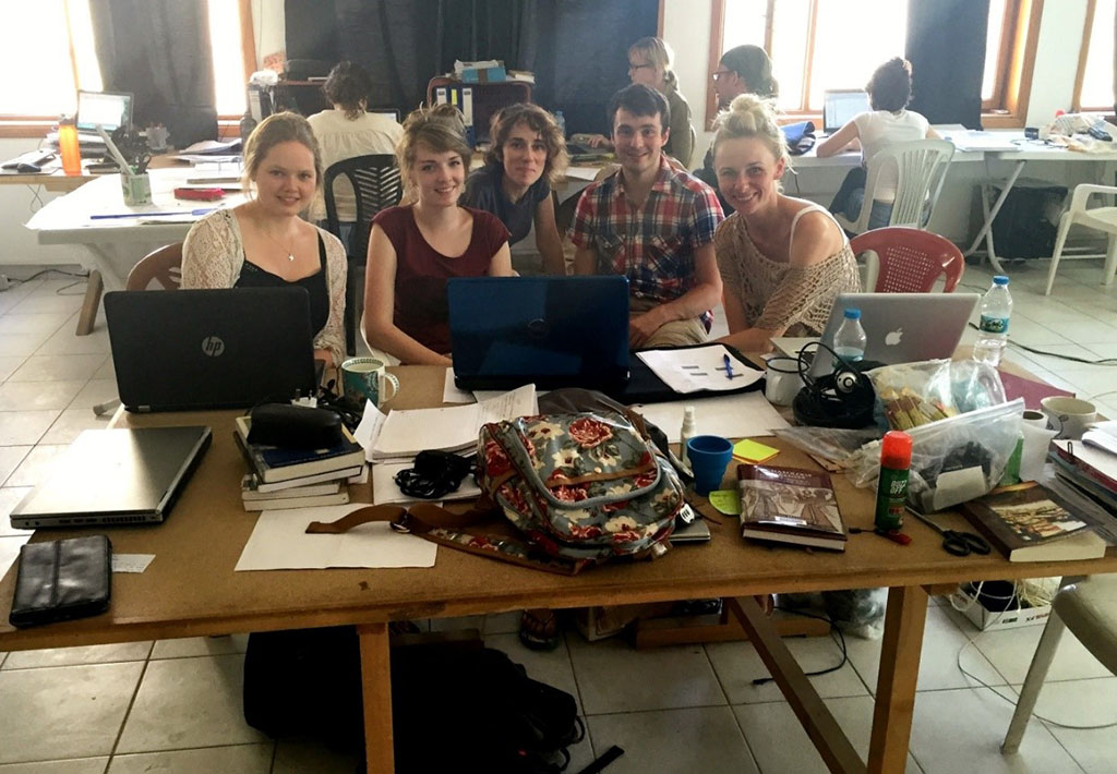 The 2015 Visualisation Team, responsible for the redesign of Çatalhöyük's web presence: (From left to right) Katrina Gargett, Jenna Tinning, Laia Pujol, Andrew Henderson and Sara Perry.